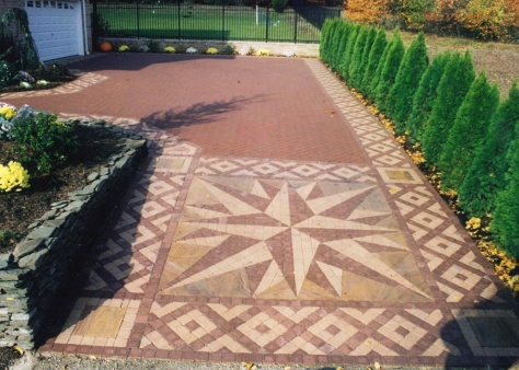 Compass Star design For Driveways Long Island NY.bmp