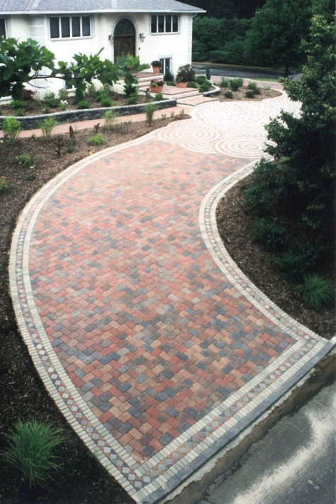Sloped driveways designs