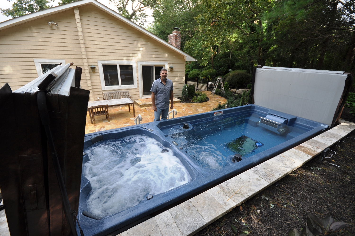 Hot tubs and swim spas gappsi giuseppe abbrancati for Swimming pool with spa