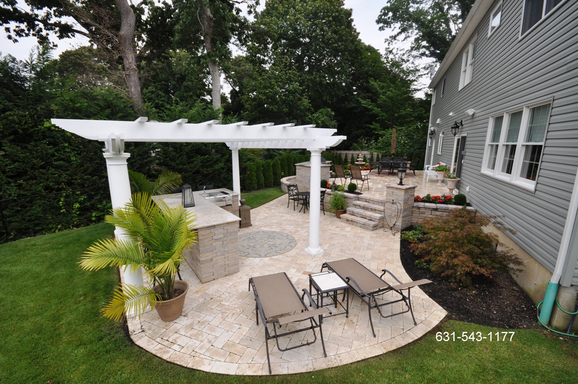 Backyard patio paver designs for Back patio design ideas