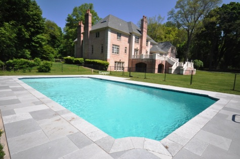 nessaquogue saint james gunite pool with pompei blue limestone and white marbledust Gappsi